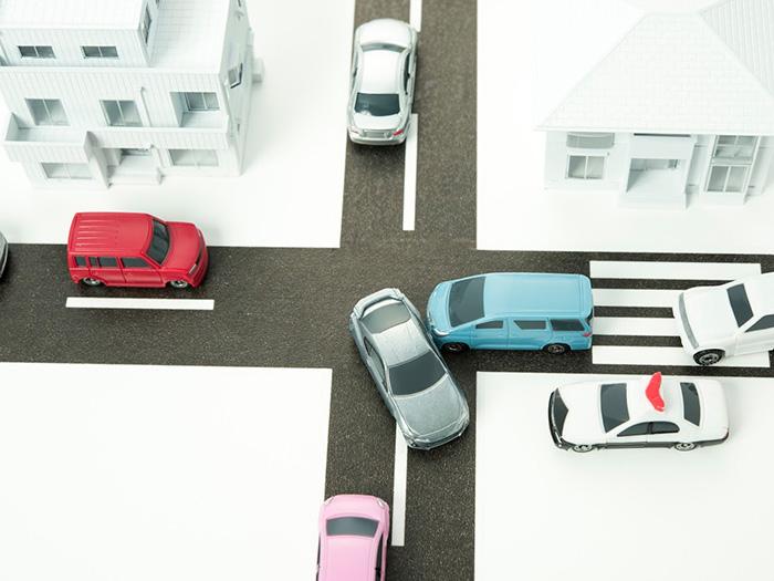 交通事故、車